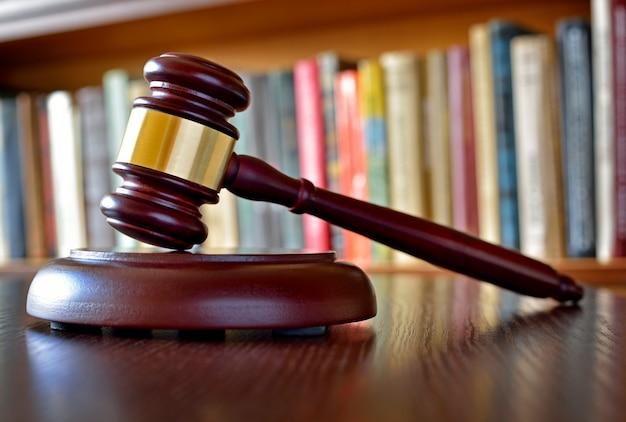 Martelletto, simbolo di decisioni giudiziarie e giustizia