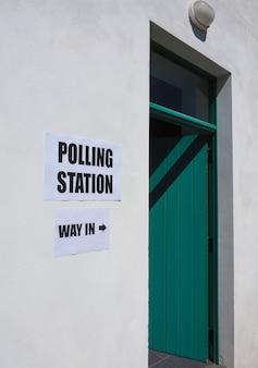 Seggio elettorale per le elezioni generali