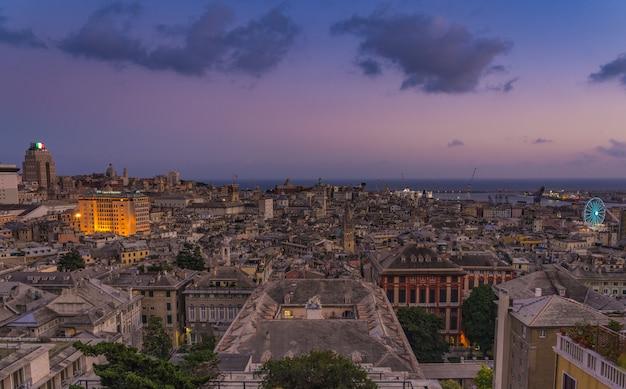 Genova al tramonto da spianata castelletto, italia.