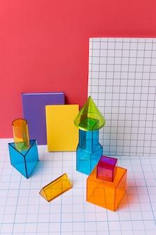Disposizione geometrica con forme 3d