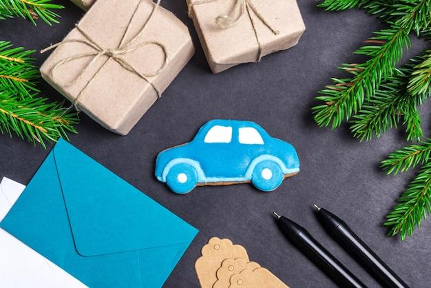 Auto di pan di zenzero, concetto di regalo di natale