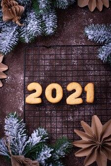 Biscotti di pan di zenzero di capodanno 2021