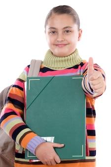 Studentessa con cartella e zaino su uno sfondo bianco