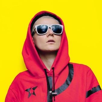 Moda cultura urbana ragazza stile hip hop