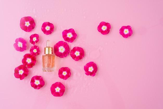 Bottiglia di vetro di siero cosmetico con pipetta