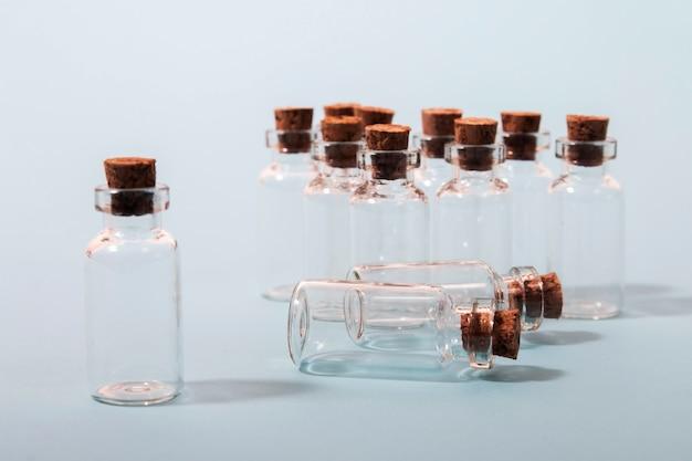 Bottiglie di vetro con tappo in sughero