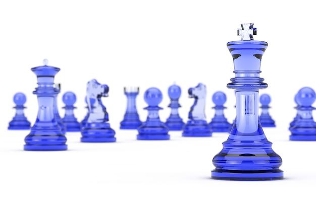 Glass king chess davanti a molte figure di scacchi su uno sfondo bianco. rendering 3d