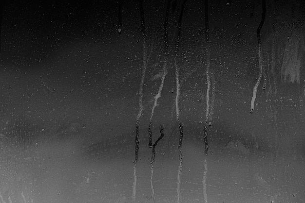 Vetro con condensa, finestra con vapore e acqua come sfondo o texture