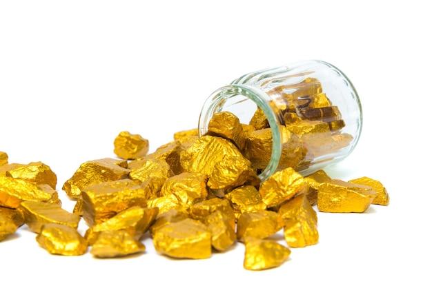 Pepite d'oro, minerale d'oro, pietra preziosa o pezzo di pietra dorata
