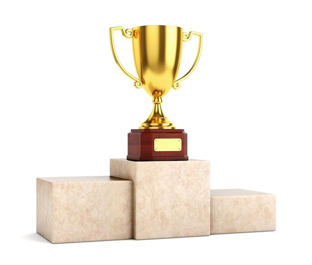 Coppa del trofeo calice premio dorato su piedistallo in marmo isolato su priorità bassa bianca.