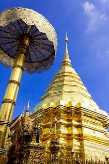 Pagoda dorata wat phra that doi suthep chiangmai thailandia