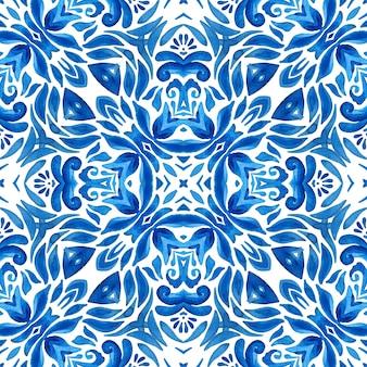 Mattonelle orientali del modello dell'acquerello floreale blu senza cuciture splendido.