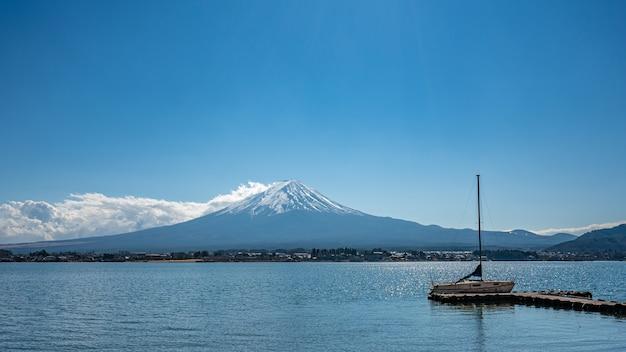 Una splendida vista del monte fuji