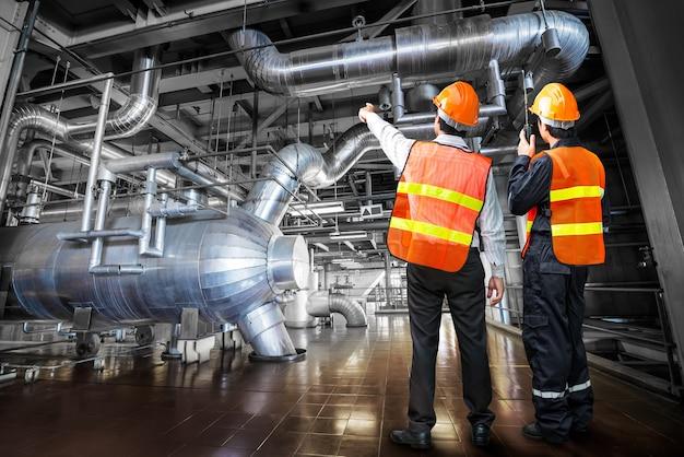 Ingegnere del governo del sistema di tubazioni della centrale elettrica