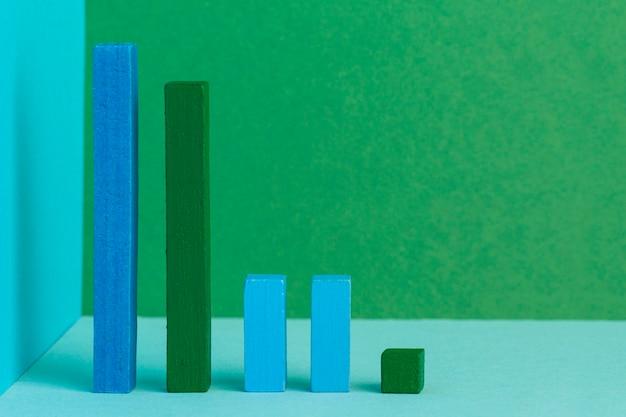 Concetto grafico con disposizione di blocchi di legno
