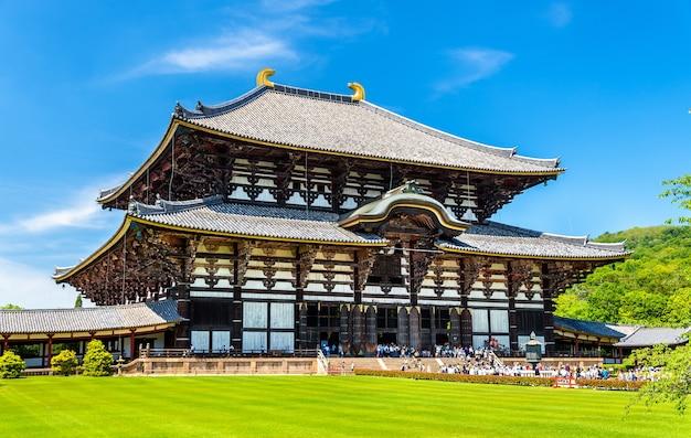 Grande sala del buddha del tempio todai-ji a nara, giappone