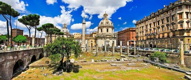 Grande roma, panorama con rovine nel mercato di troia