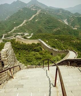 Grande muraglia cinese in primavera