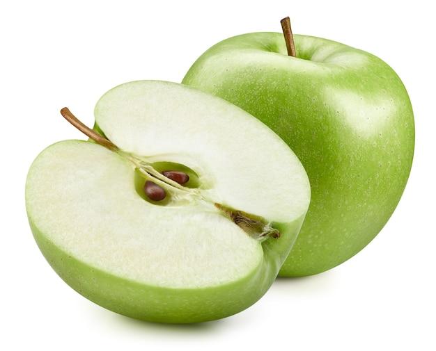 Mele verdi isolate su priorità bassa bianca. percorso di residuo della potatura meccanica delle mele fresche mature