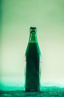 Bottiglia di birra verde festa di san patrizio
