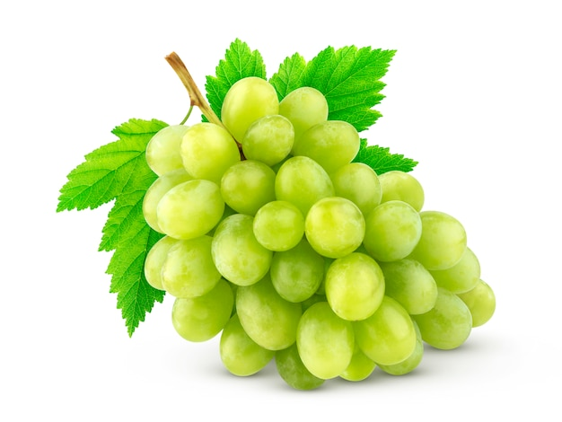 Uva verde isolato su bianco
