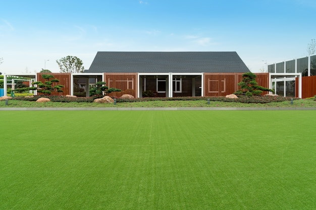 Vita verde, prati e case lontane