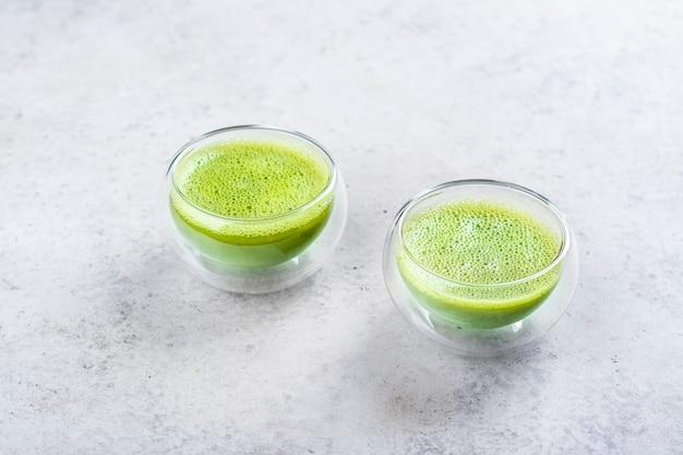 Bevanda al tè verde matcha