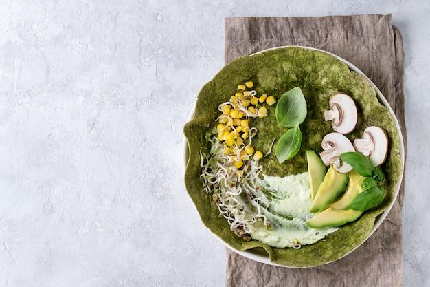 Tortilla di spinaci verdi Foto Premium