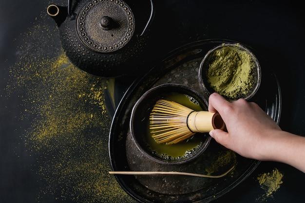 Tè verde in polvere e bevanda al matcha Foto Premium