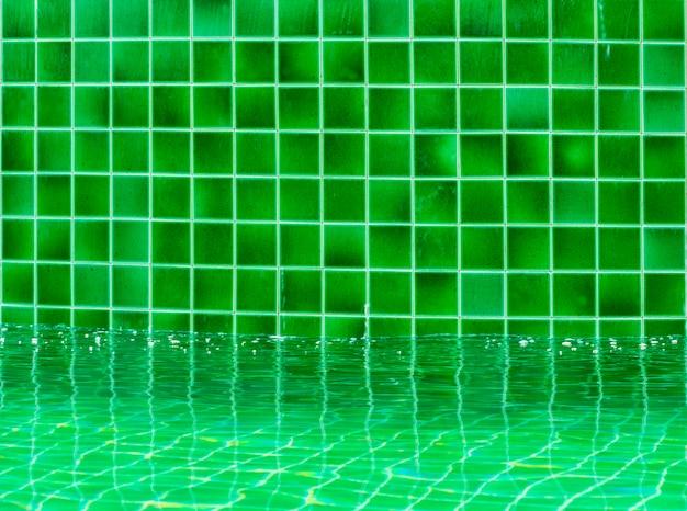 Pavimento di piastrelle verdi