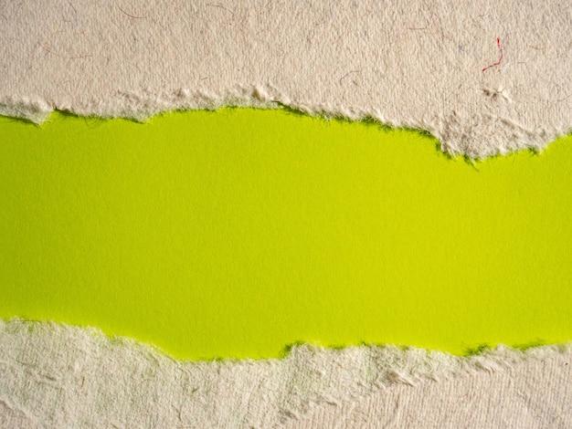 Sfondo di carta strappata verde