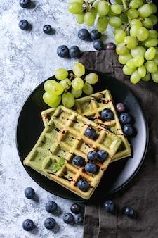 Cialde verdi con uva