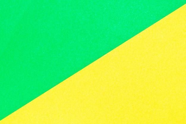 Cartone ondulato di colore verde e giallo