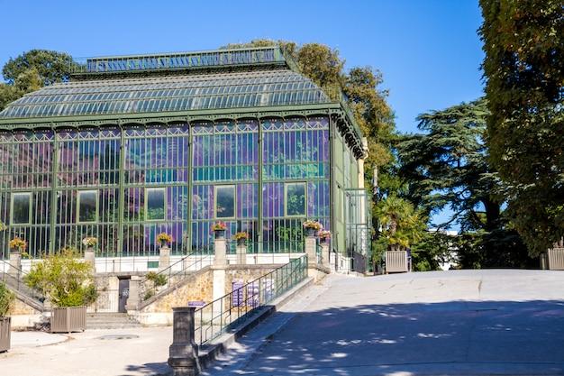 Serra nel giardino botanico di jardin des plantes, parigi, francia