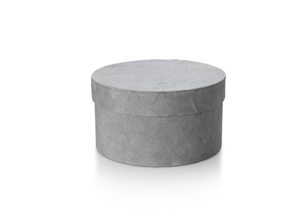 Confezione regalo di carta cerchio di colore grigio isolato su sfondo bianco