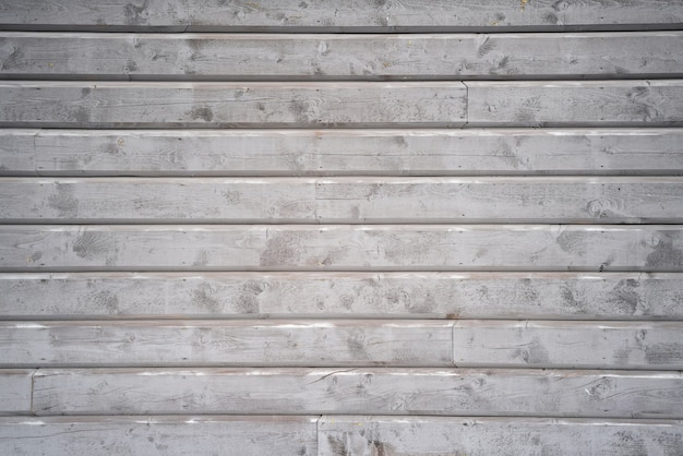 Parete in legno grigio dell'esterno della casa tipica scandinava. Foto Premium
