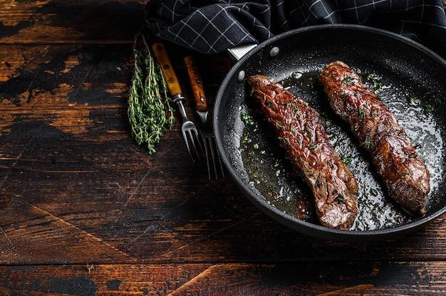 Bistecca di fianco alla griglia in padella