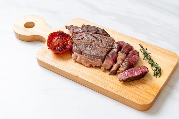 Bistecca di manzo rara media alla griglia