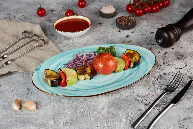 Assortimento di piatti di verdure grigliate