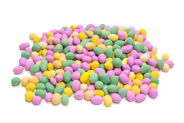 Gruppo di arachidi colorate in smalto. vista dall'alto. Foto Premium