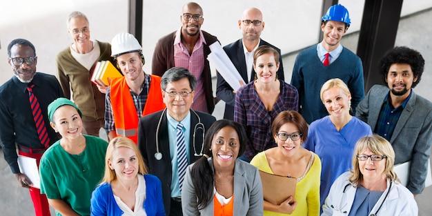 Gruppo di persone diverse di occupazione