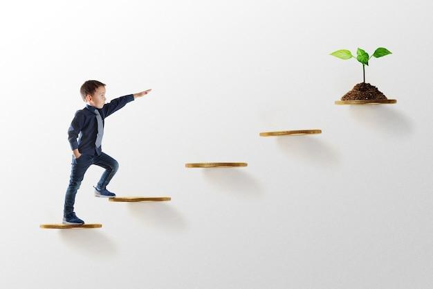 La crescita del concetto di business. giovane imprenditore salire la scala della carriera