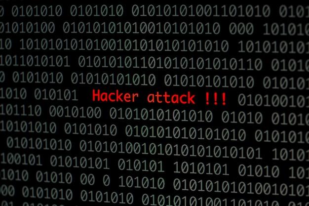 Attacco hacker con codice binario
