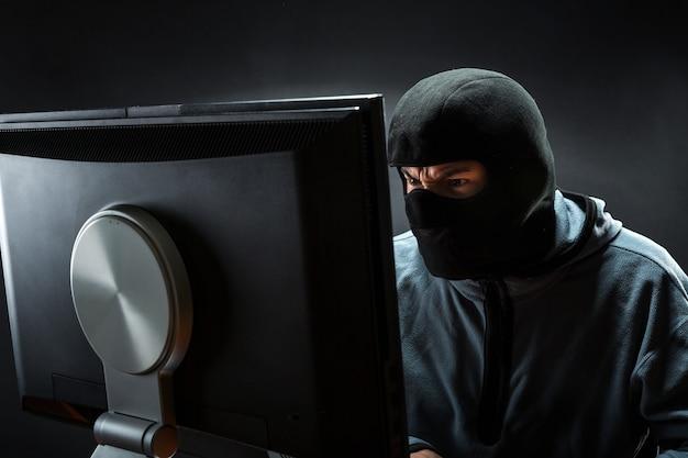 Hacker in ufficio