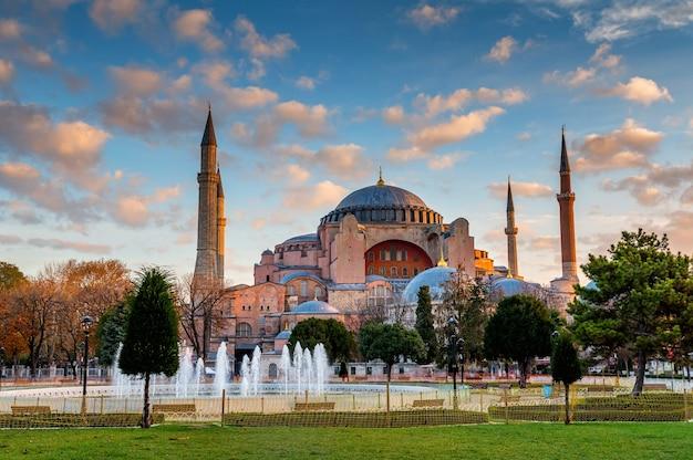 Esterno della grande moschea di hagia sophia