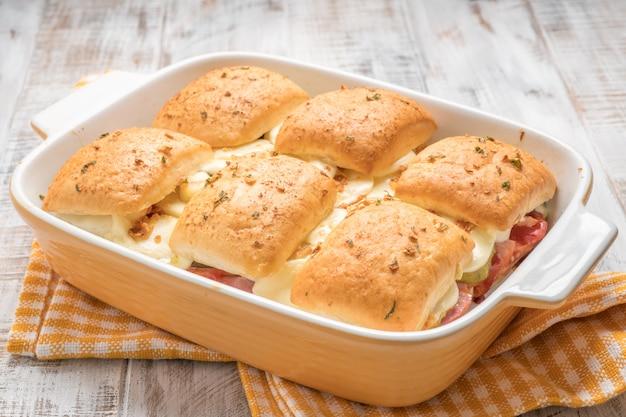 Mini-panini di prosciutto e formaggio