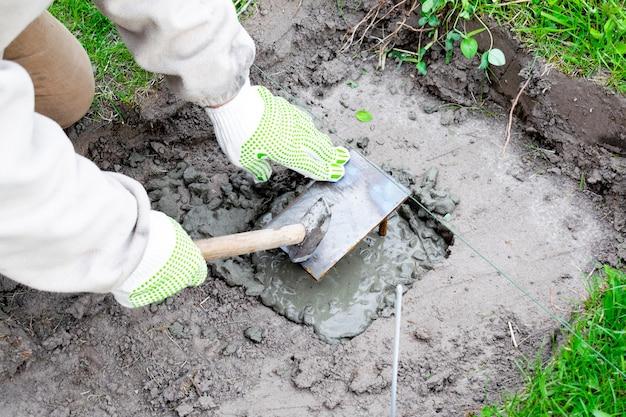 Martello di ferro costruire in cemento martello liquami malta cementizia ristrutturazione edilizia fondazione