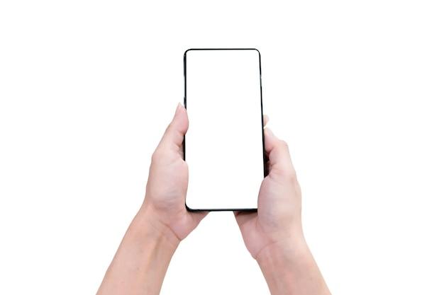 Mano che tiene uno smartphone su sfondo bianco