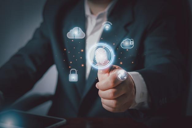 Mano che tocca l'intelligenza artificiale virtuale con la trasformazione della tecnologia cloud e l'internet delle cose, il concetto di rete di archiviazione internet della tecnologia cloud computing.