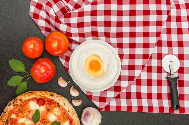 Pizza fatta a mano